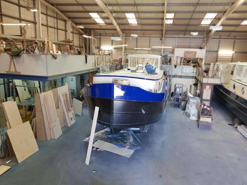 Paint boat